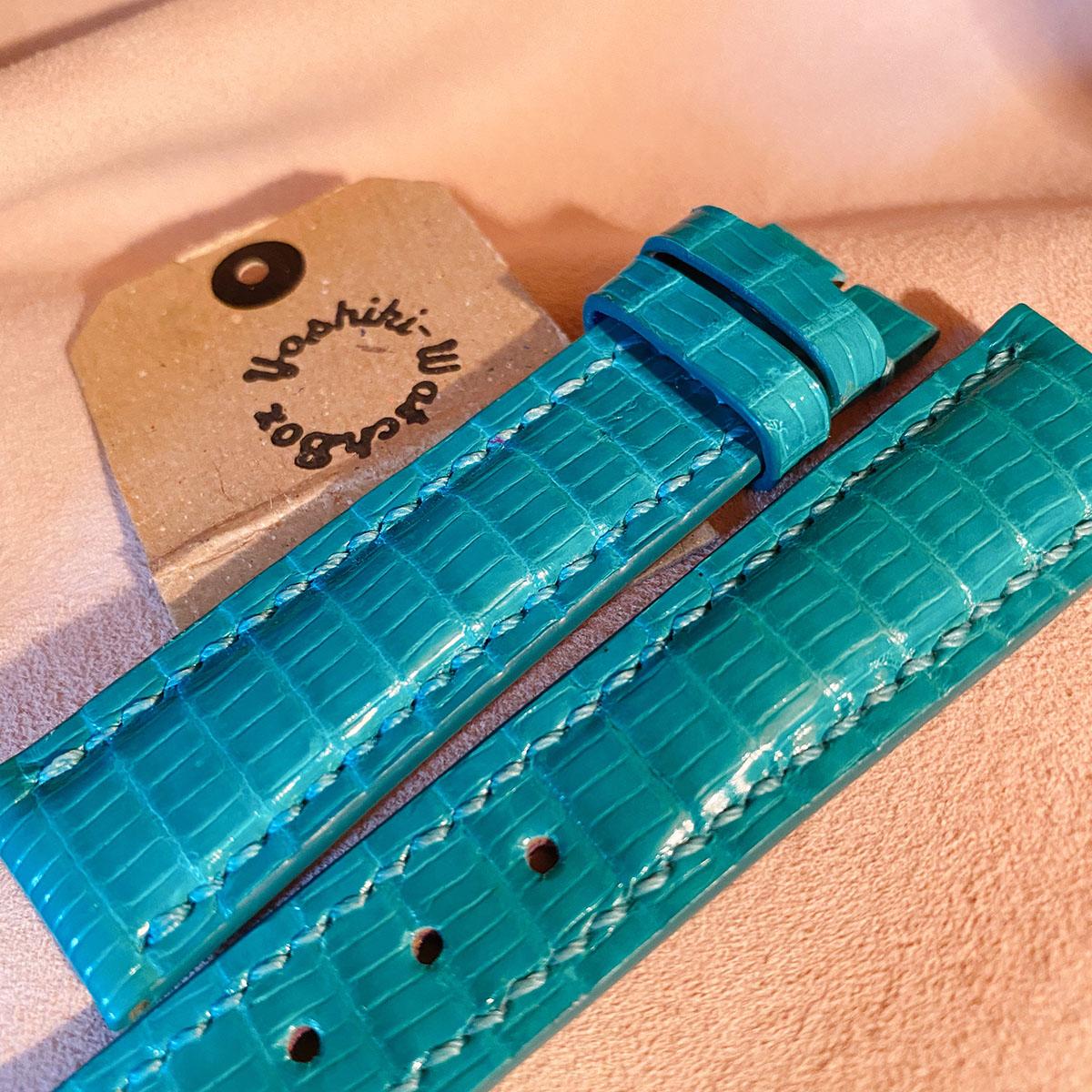 リザードでターコイズブルーの様な色page-visual リザードでターコイズブルーの様な色ビジュアル