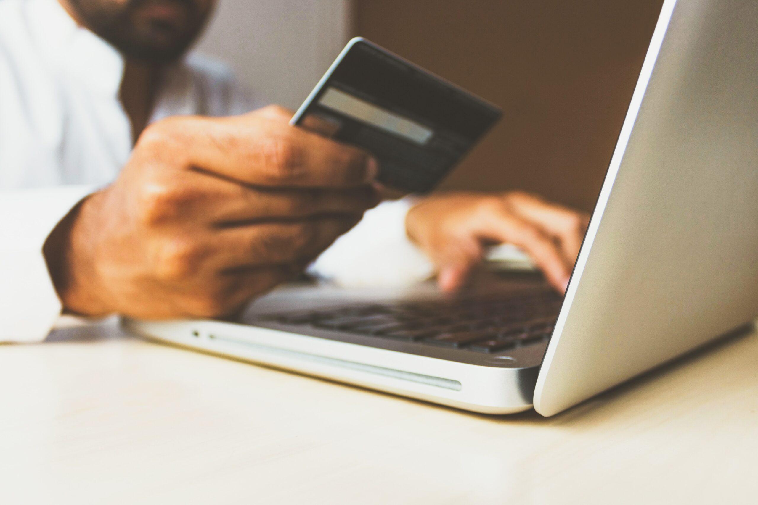 クレジットカードでの決済を推奨致します。なぜなら・・・page-visual クレジットカードでの決済を推奨致します。なぜなら・・・ビジュアル